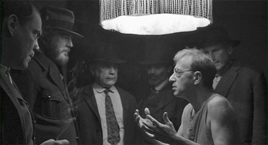 Ombres et brouillard de Woody Allen